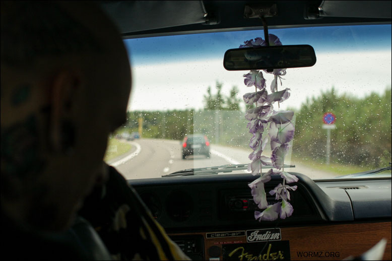 Jussi autossa