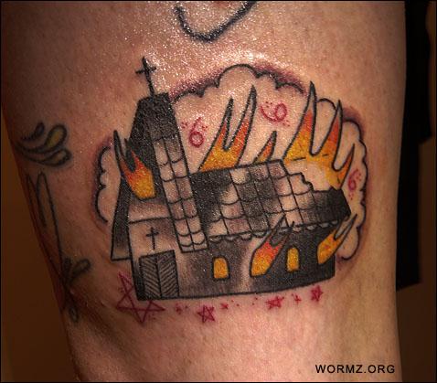 Kirkko palaa